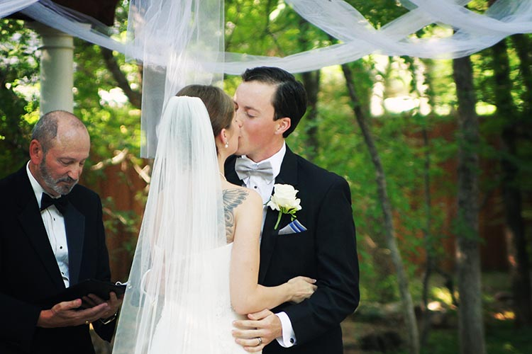 Alyssa B. Young photography wedding kiss